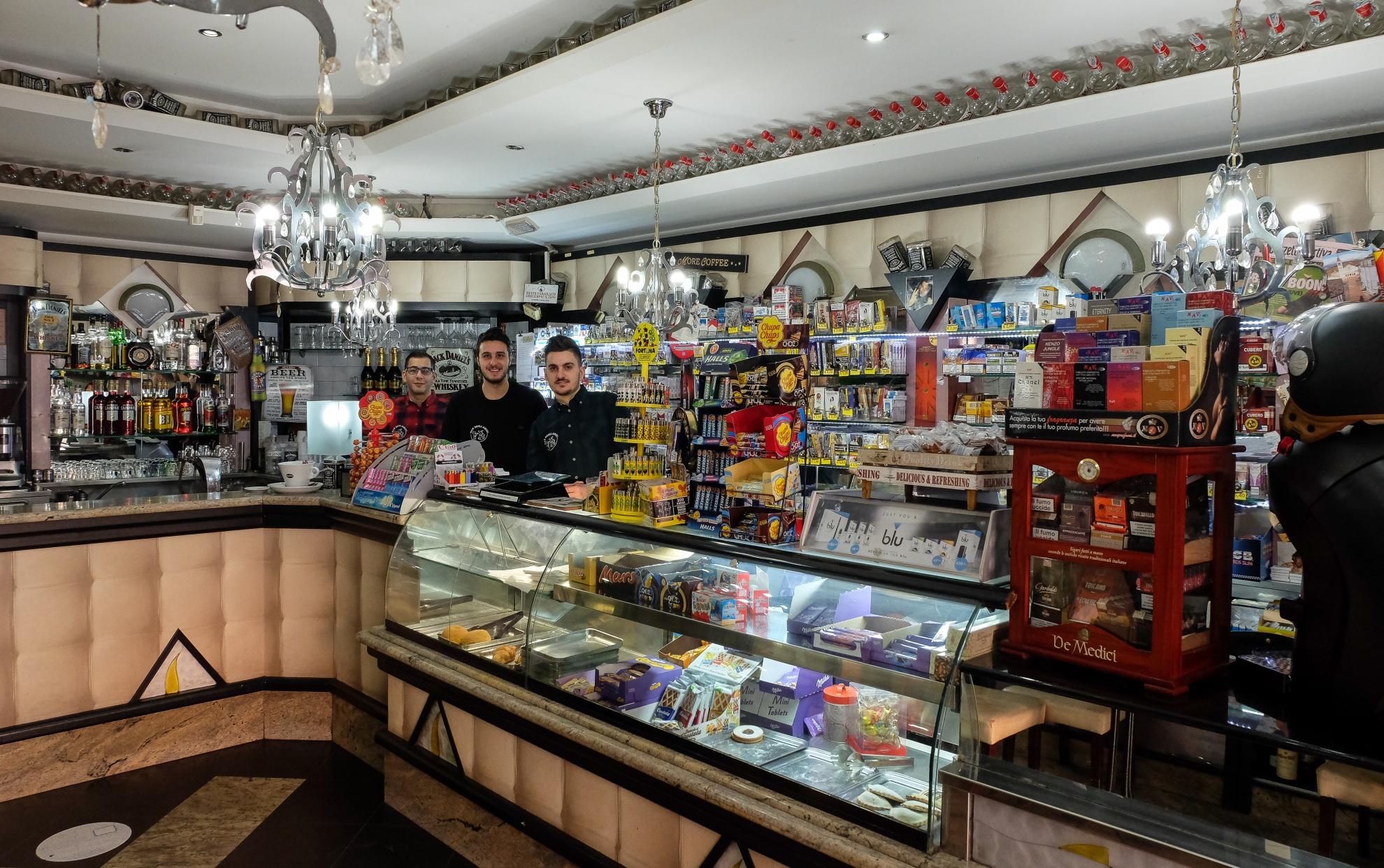 Bar degli Amici - Bar Tabacchino, Aci Catena