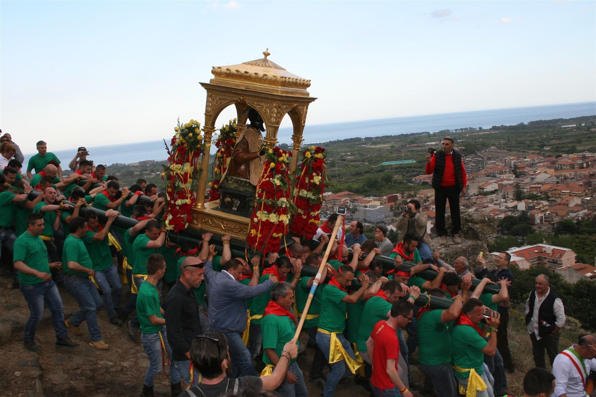Un viaggio in occasione delle feste di San Filippo D'Agira a Limina, Agira e Calatabiano