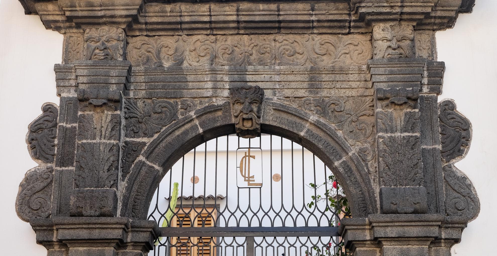 Portale della residenza dei Principi di Palagonia